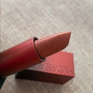 BRAND NEW HUDA BEAUTY LIPSTICK - NYE
